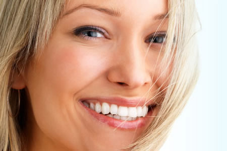 IMPLANTES E PRÓTESES - Fronssard Rasseli Odontologia